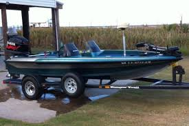 1999 Ranger Bass Boat Blue w/ Metal Flake.