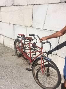 Schwinn tandem bike (East Wenatchee)