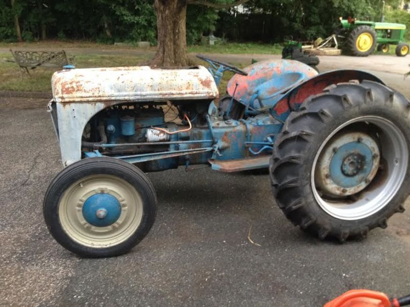 Ford 9n Tractor Antique Gas