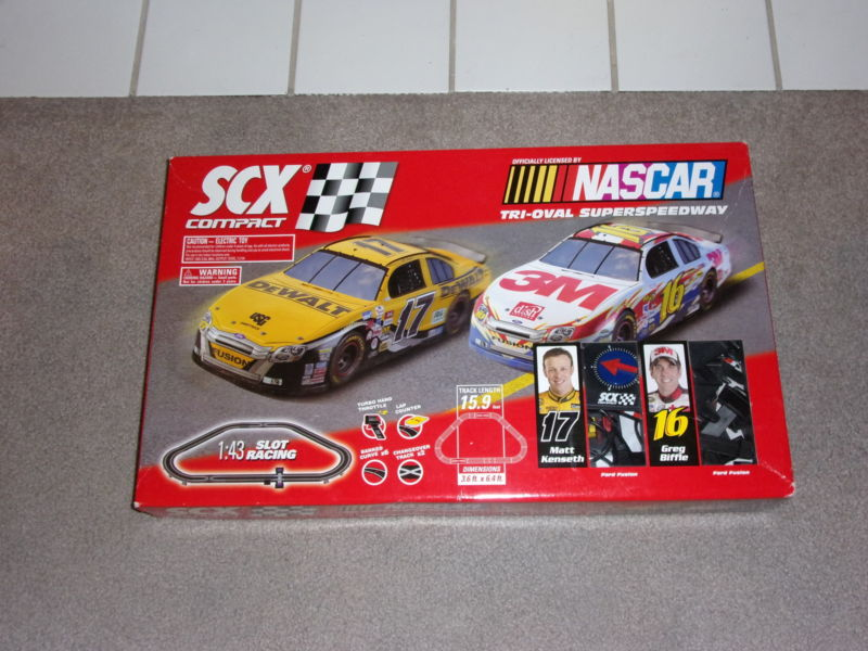1/43 SCX Compact Slot Car Race Track Sets