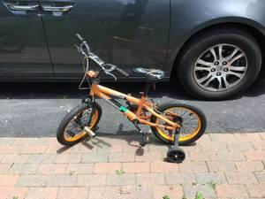 Mongoose kids bike 16