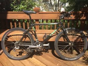 Trek Single Track 970 Mountain Bike Medium Shimano - new tires