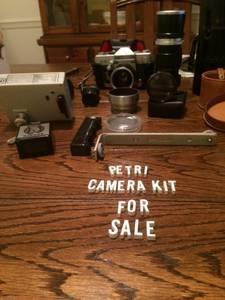 Petri 35mm Camera Kit (Richmond)