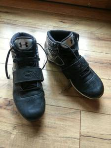 under armour football cleats size 9 (SE Sioux Falls)