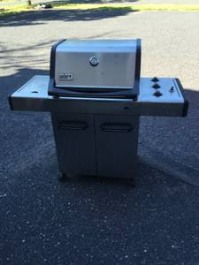 Weber Stainless 3 Burner Gas Grill (Collegeville)