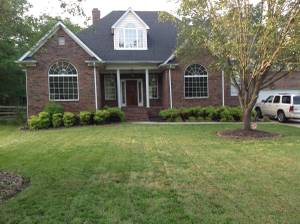 $750 flat 1.5 acre- Hot Tub- Huge BBQ Deck - roommates wanted (MT Holly)