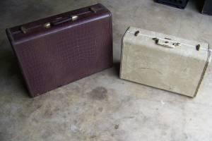 2 Vintage Samsonite Suitcases (keyed alike) (Millington tn)