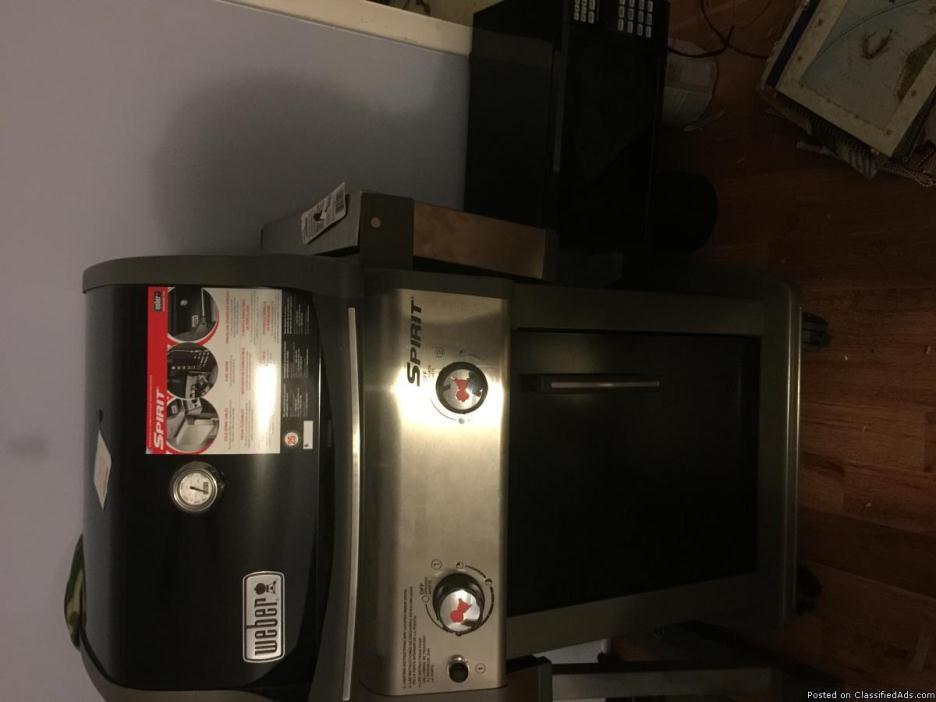 Brand new Webber Spirit E-210 grill