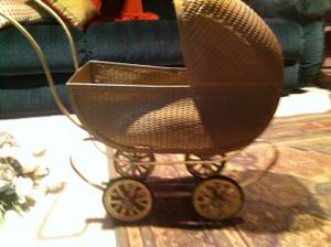 Antique Wicker Doll Buggy (Glyndon)