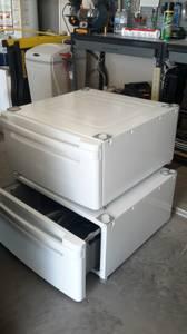 LG pedestals for washer & dryer (San Angelo)