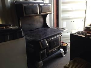 Antique wood cook stove (Glendo)