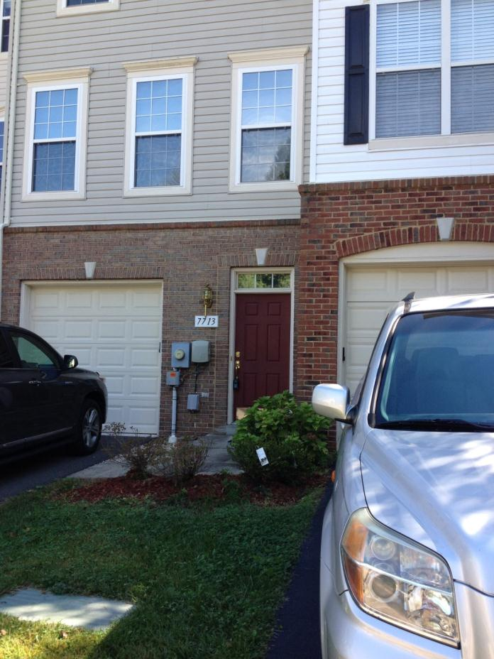 Roommate needed to share townhouse in Alexandria