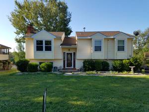 Room For Rent With All Utilities and Amenities Included!! (Vinton) $450 2400ft 2