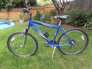 Schwinn Sidewinder Mountain Bike (Newberg)