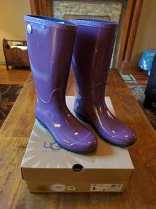 New UGG Shaye Rain Boots (NW Denver)
