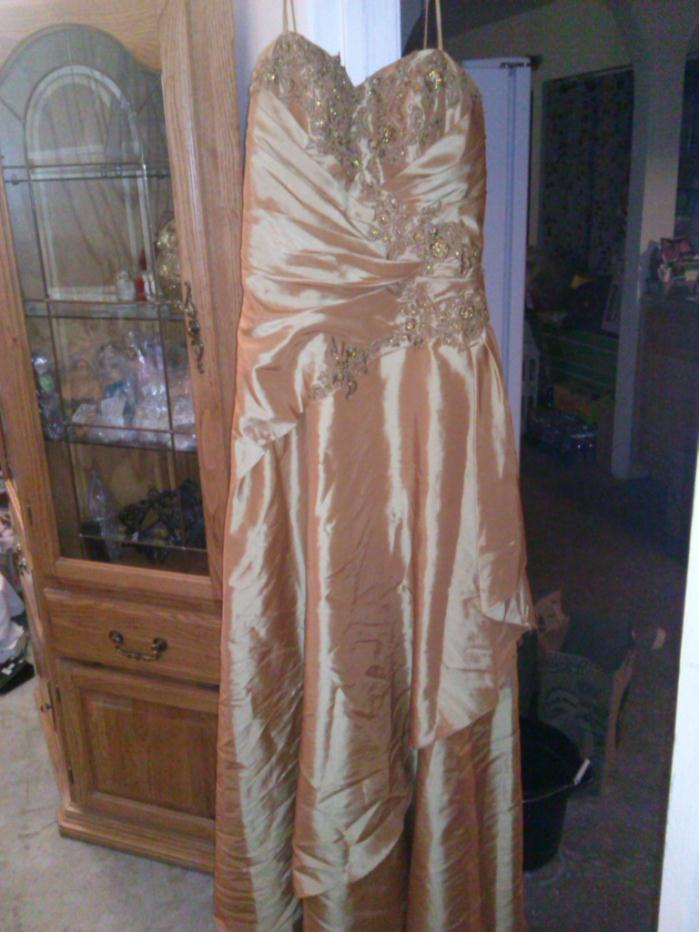 gold prom dress beautiful size 12 or 8