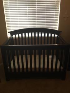 Espresso Baby Crib great condition (Chandler)