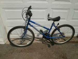 Womens Motiv 18 speed Mountain Bike (Springfield Del.Co.)