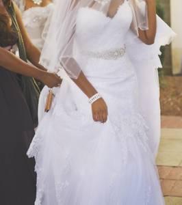 Beautiful Wedding dress - $800