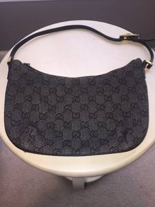 Authentic Gucci Purse Handbag 32160 Grey Small Signature Bag (New $595) (Owings