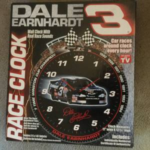 Dale Earnhardt clock with real race sounds