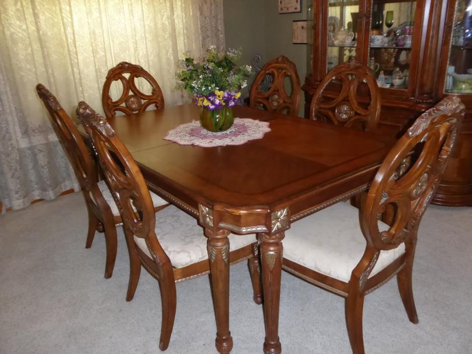 Bernhardt dining room furniture for sale classifieds for Bernhardt furniture for sale