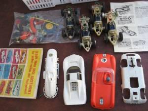 VINTAGE SLOT CARS & TRACK (Ballard)