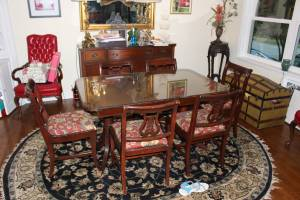 Antique Duncan Phyfe Dining Room Set (East Memphis)