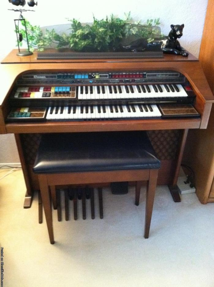 Thomas ColorGlo Organ
