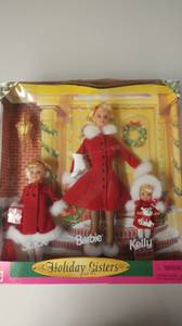 BARBIE Holiday Sisters Gift Set (Paris, PA)