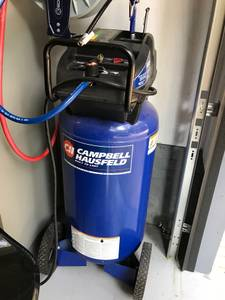 Campbell Hausfeld 26 gallon air compressor (Monroe)