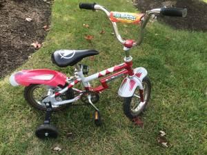 Boys Toddler Bike with training wheels (Strongsville)