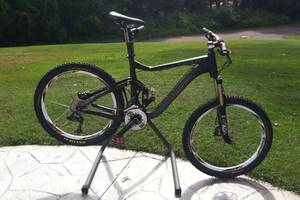 2012 Giant Reign Mountain Bike (Cheshire)