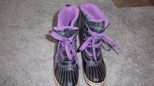 girls snow boots 4 and riding boots 3 (Gig Harbor)