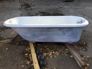 Cast iron Claw Foot Tub