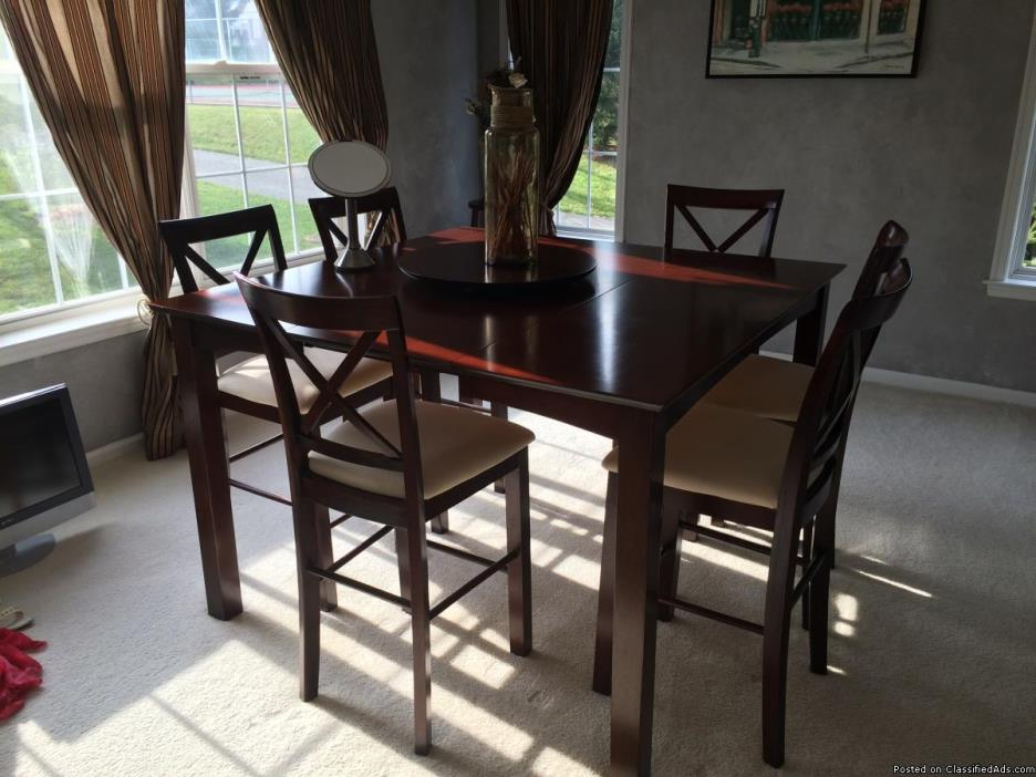 Fortunoff Dining Table: 7 Pieces w Lazy Susan