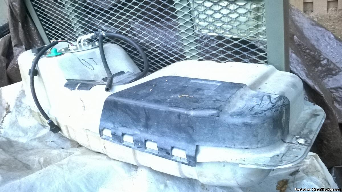 1998 Ford Explorer 2dr Sport, 4.0 OHV engine parts and fuel tank