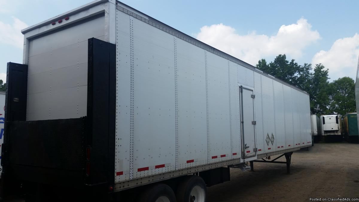 2003 wabash with rail gate 48 ft x 102 x 13.6 and 12.6